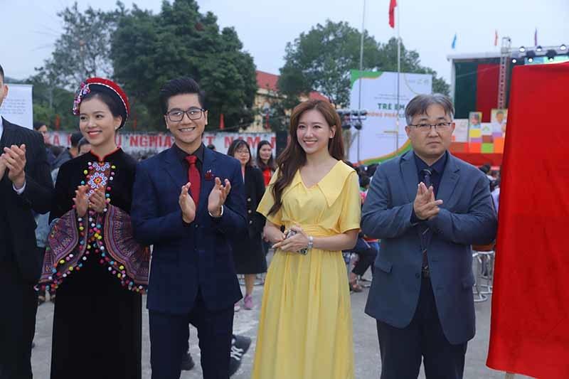 MC Công Tố, Hari Won và H'Hen Niê lên án nạn tảo hôn