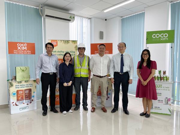 Tổng lãnh sự Singapore đến tham quan nhà máy Betrimex
