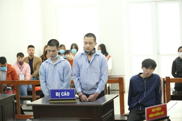 Lái xe Grab ở Hà Nội bị đâm liên tiếp, cướp tài sản