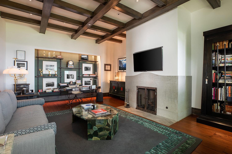MC nổi tiếng Ryan Seacrest rao bán dinh thự siêu sang hơn 2000 tỷ