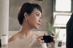 Uyên Linh kết hợp cùng 'hoàng tử Indie' hát tình ca về mùa đông