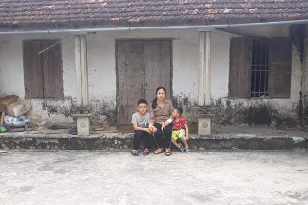Tiếng khóc nghẹn của hai đứa trẻ xin cứu mẹ mù mắt, suy thận