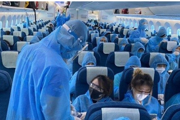 Tiếp viên Vietnam Airlines sai quy định cách ly tại nhà