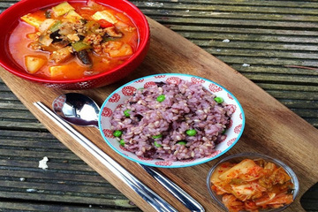 Bí quyết giúp phụ nữ Hàn luôn chuẩn dáng dù ăn cơm mỗi ngày