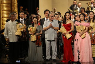 "Symphony concert ""Girls deserve to shine"" held in Hanoi"