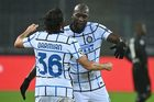 Cựu sao MU đua nhau lập công, Inter lóe lên hi vọng