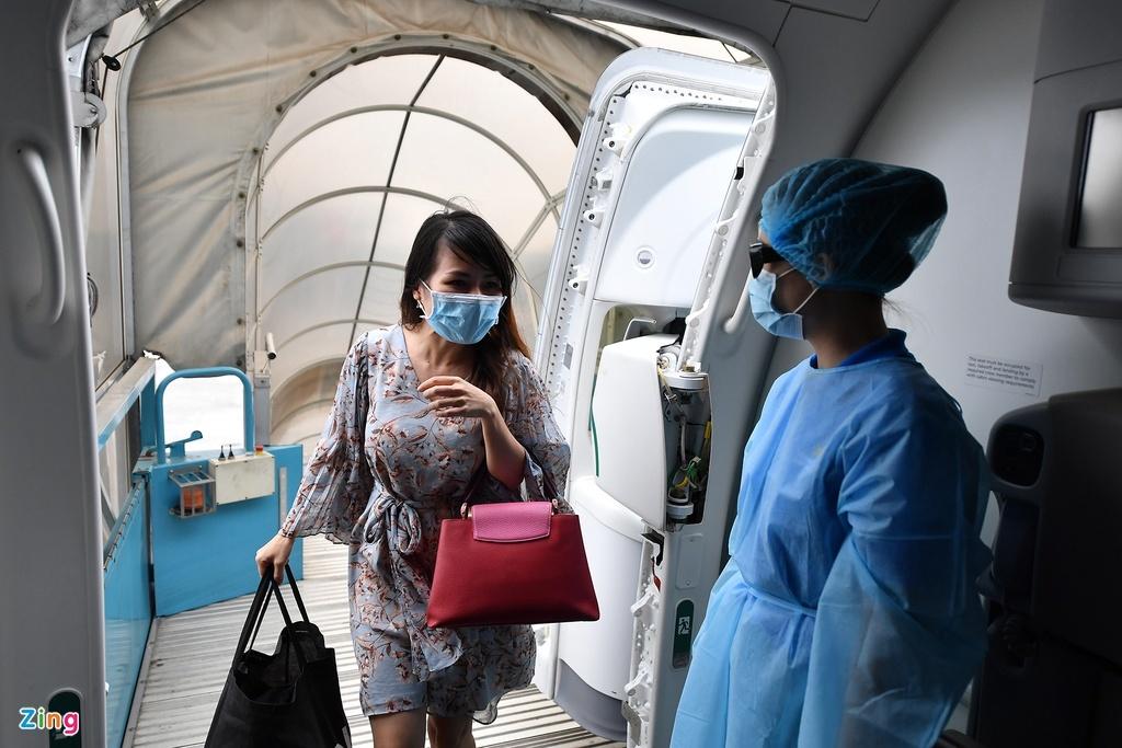 Vietnam Airlines gặp khó nếu tiếp viên, phi công phải cách ly nơi khác