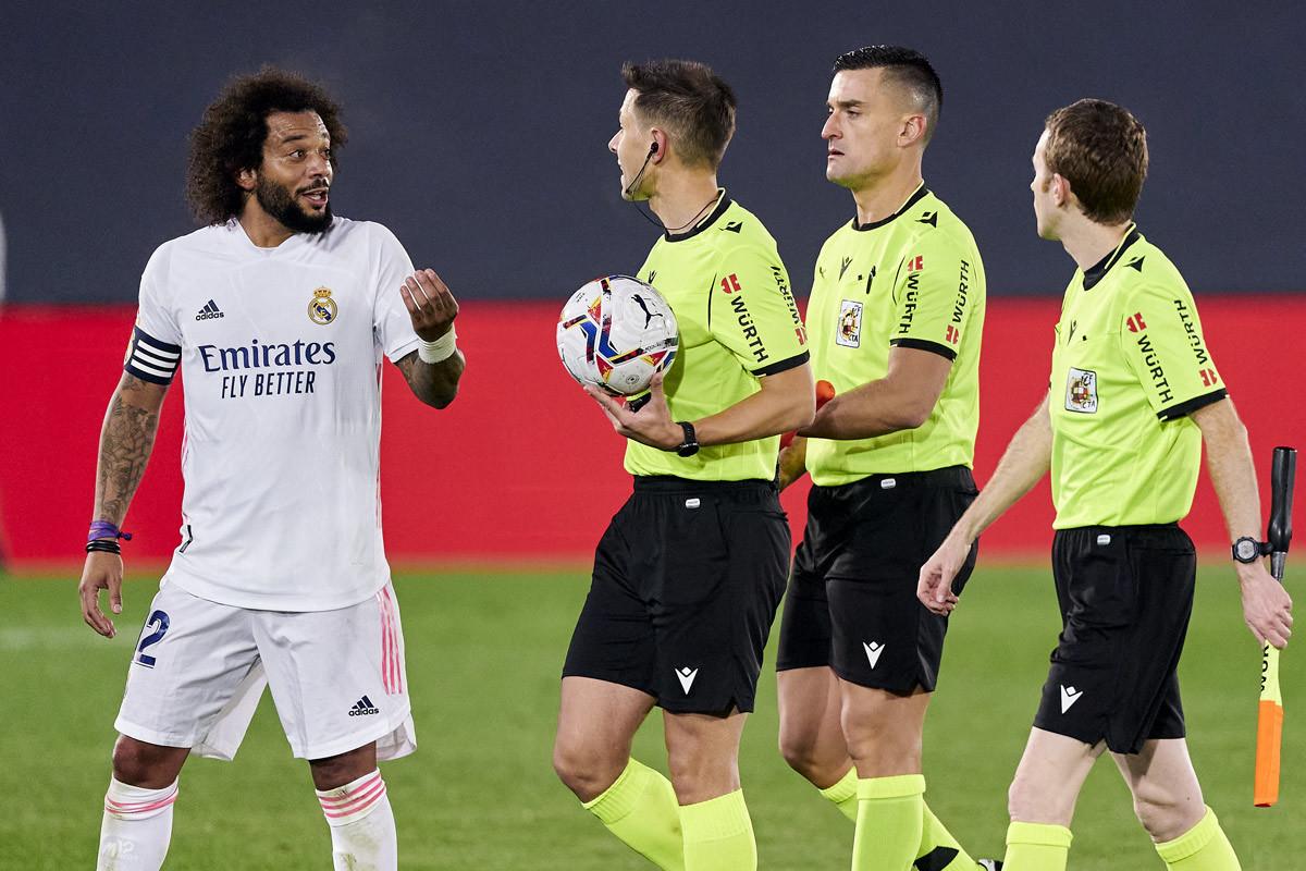 MU bất ngờ ký Barella, Liverpool lấy Nuno Mendes