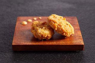 Singapore trở thành quốc gia đầu tiên chấp thuận bán thịt nuôi trong phòng thí nghiệm