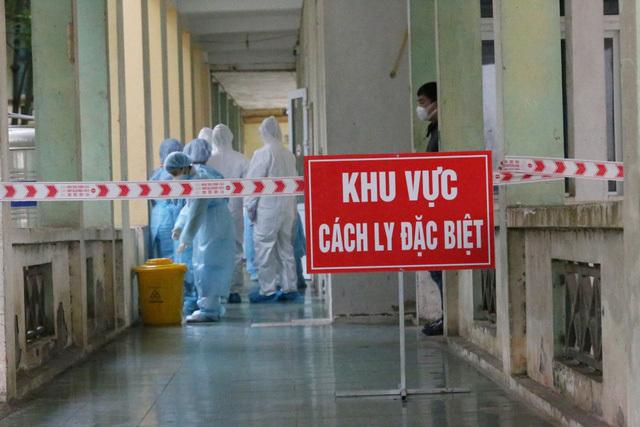Vietnam Airlines sẽ xử lý nam tiếp viên làm lây Covid-19 ra cộng đồng thumbnail