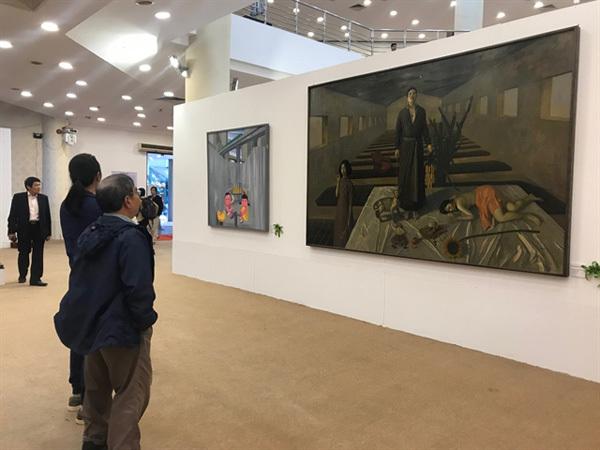 Contemporary arton show in capital