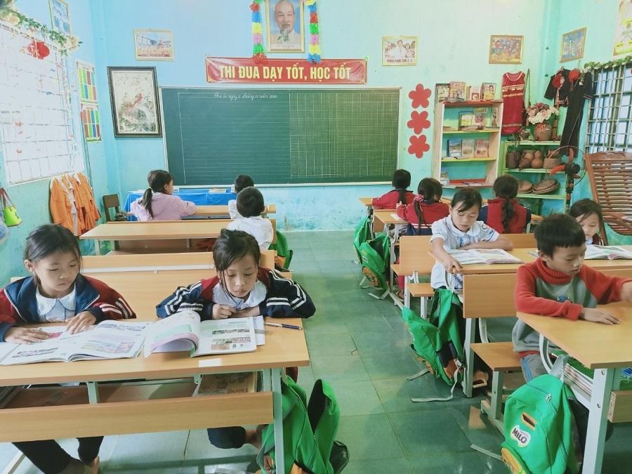 Hành trình gieo chữ, lo bữa ăn cho trẻ em nghèo của cô giáo Hà Giang