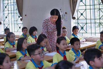 Bỏ chứng chỉ ngoại ngữ cho giáo viên: Quản lý theo chứng chỉ hay thực tài