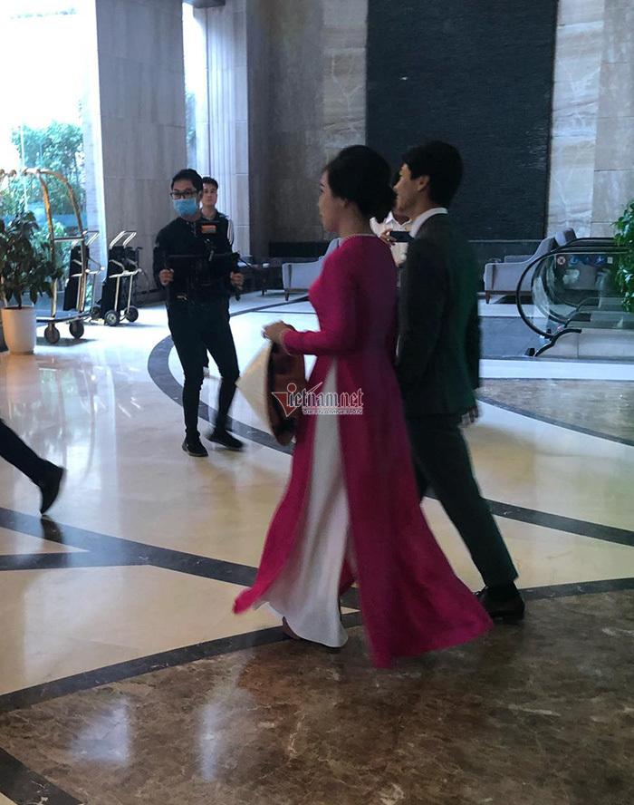 Công Phượng lái xe sang, đến rước cô dâu Viên Minh