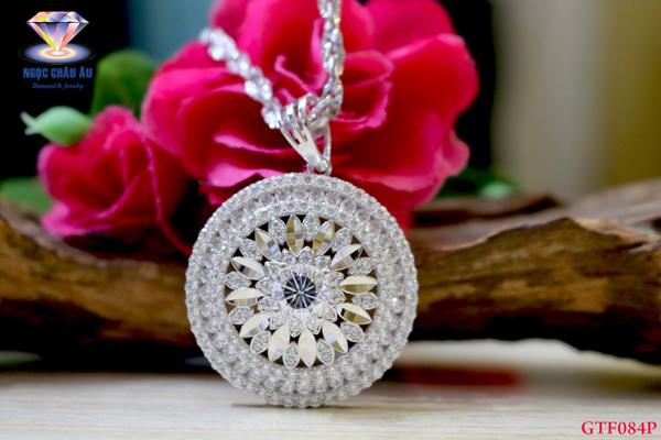 Những trang sức cá tính ở Kim cương Ngọc Châu Âu