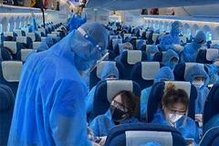 Hà Nội yêu cầu xử lý 3 tiếp viên hàng không vi phạm cách ly Covid-19
