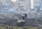 Ô nhiễm chưa từng có, cả làng chung sống với núi rác thải 370.000 tấn