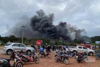 Pháo giấu trong xe chở đá từ Lào về Việt Nam phát nổ, 2 người chết