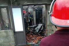 Chồng đốt xe máy khiến vợ bỏng nặng, nhà cháy gần hết