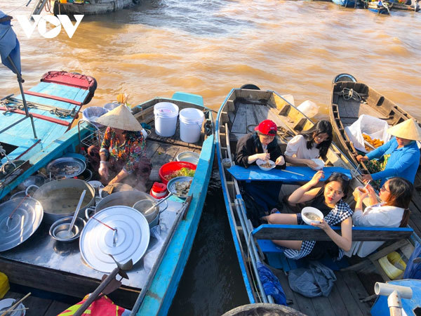A day out to discover Cai Rang Floating Market