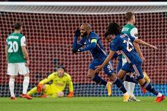 """Arsenal phô diễn sức mạnh bằng chiến thắng """"4 sao"""""""