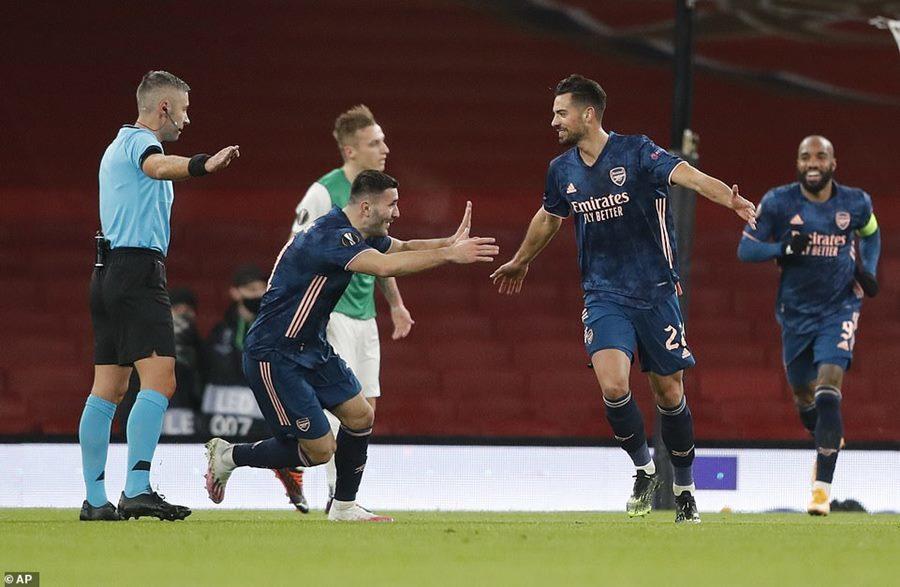 Arsenal phô diễn sức mạnh bằng chiến thắng '4 sao'