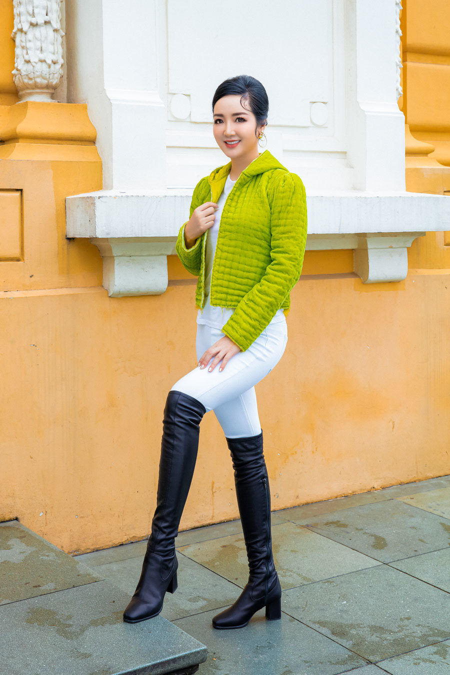 Hoa hậu đền Hùng Giáng My trẻ trung ở tuổi U50