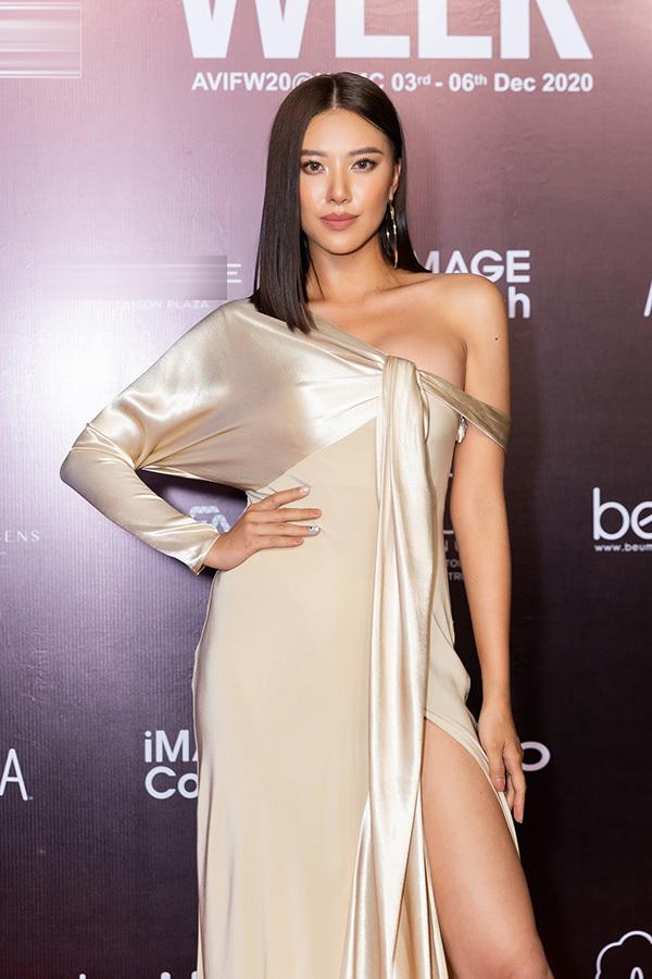Dàn Hoa hậu, Á hậu đình đám 'đọ sắc' trên thảm đỏ show Công Trí