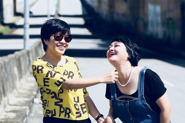 'Hai bà mẹ đơn thân' MC Thảo Vân và Trà My yêu thương nhau gần 20 năm