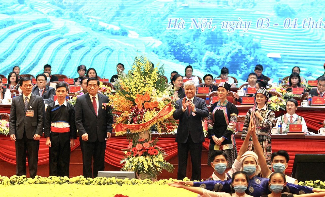 Thủ tướng: Nắm chặt tay nhau tiến lên, xây dựng quốc gia hùng mạnh