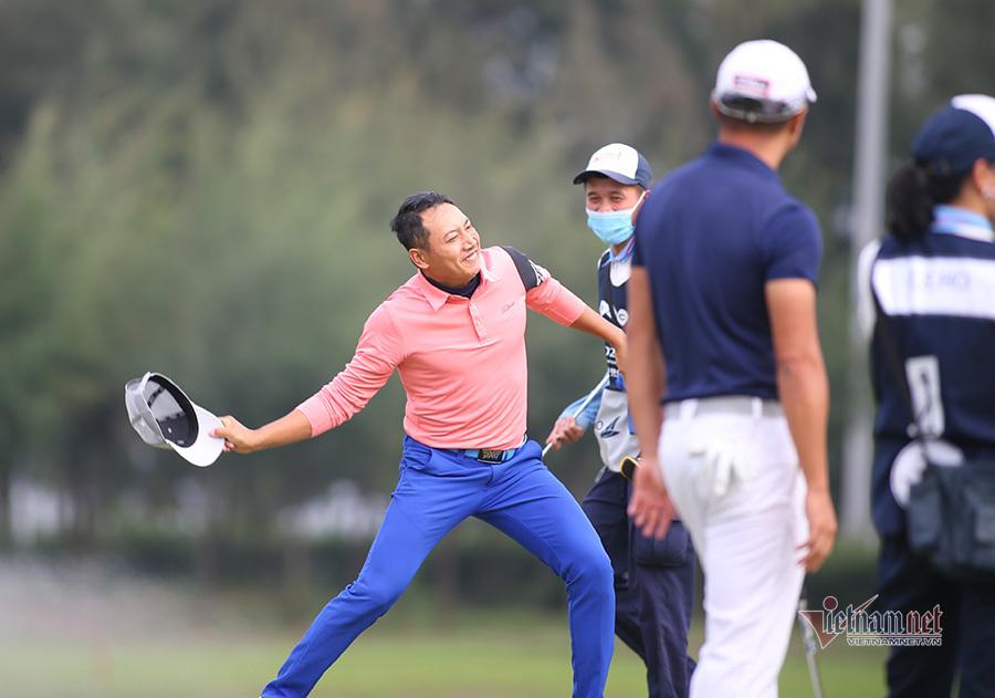 Đỗ Hồng Giang: 'Tôi dành tặng cúp vô địch cho con trai'