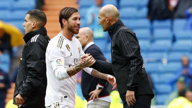Đội trưởng Sergio Ramos họp gấp 'cứu' Zidane và Real Madrid