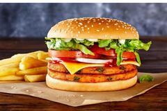 Bé trai Hà Nội sốc phản vệ nguy kịch sau ăn 1 chiếc burger