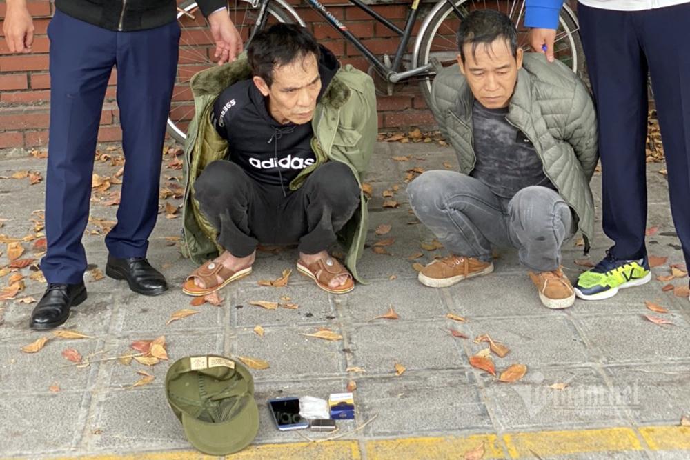 Giấu ma tuý trong túi, 2 kẻ có tiền án sa lưới tổ công tác 141