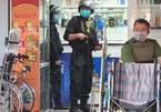 Hàng trăm cảnh sát mang súng khám xét hệ thống nhà thuốc lớn nhất Đồng Nai