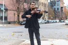 Nghệ sĩ violin bất ngờ đổi đời 'nhờ' dịch Covid-19