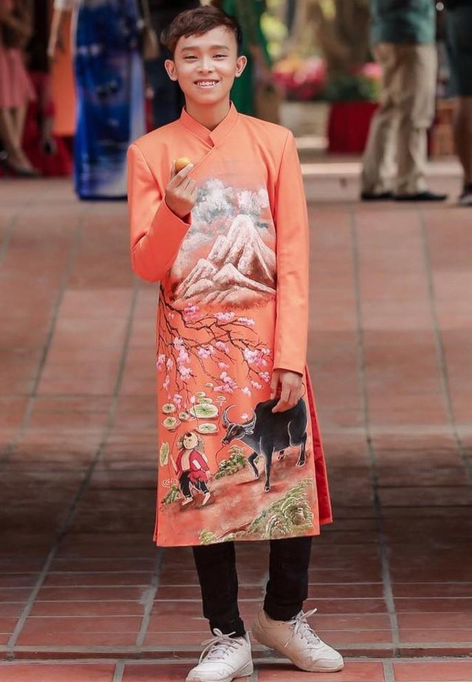 Hồ Văn Cường khó nhận ra ở tuổi 17 sau 4 năm đoạt Vietnam Idol Kids