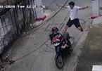 Trộm ăn cú đạp trời giáng khi vừa lên xe máy định tẩu thoát