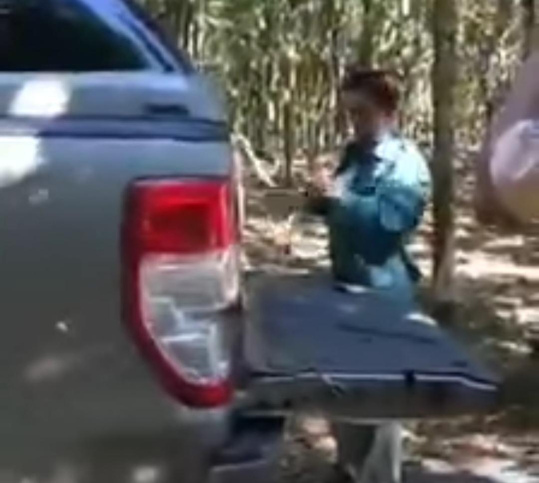 Chở hàng cồng kềnh 'qua mặt' CSGT, Giám đốc nông trường cao su bị phạt 10 triệu
