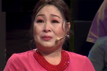 NSND Hồng Vân bật khóc kể thời đi học bị bạn bắt nạt, vảy mực vì nghèo