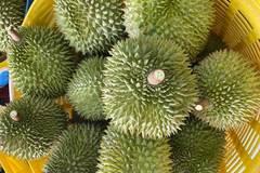 Trung Quốc ồ ạt gom mua, trái cây Việt tăng giá kỷ lục