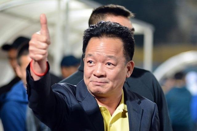 Soi túi tiền 'trồi sụt' của những ông bầu nổi danh làng bóng đá Việt