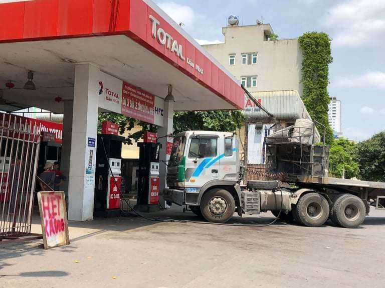 Will foreigners dominate Vietnam's petroleum distribution system?