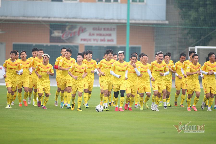 Công Phượng giữ áo số 10, tươi rói trên tuyển Việt Nam