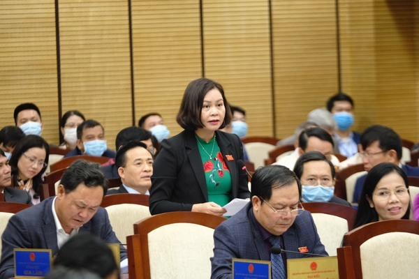 Hà Nội: Cát như 'con gái 18', thường xuyên bị nhòm ngó