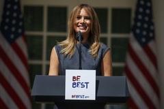 Vợ ông Trump bị chỉ trích vì khai trương sân tennis ở Nhà Trắng