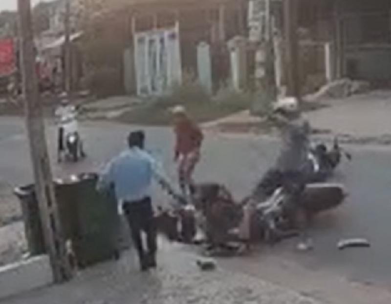 Người đàn ông giẫm đạp nữ sinh sau va chạm giao thông gây phẫn nộ