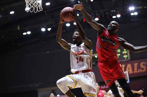Keyes' top perfomance helps Saigon Heat lead the VBA Finals