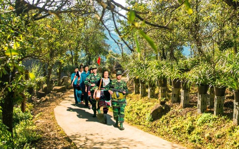 Huyện dân tộc thiểu số gánh trọng trách bảo vệ biên giới và phát triển du lịch