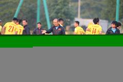 V-League 2021 dự báo khốc liệt: Thầy Park mừng mà... lo